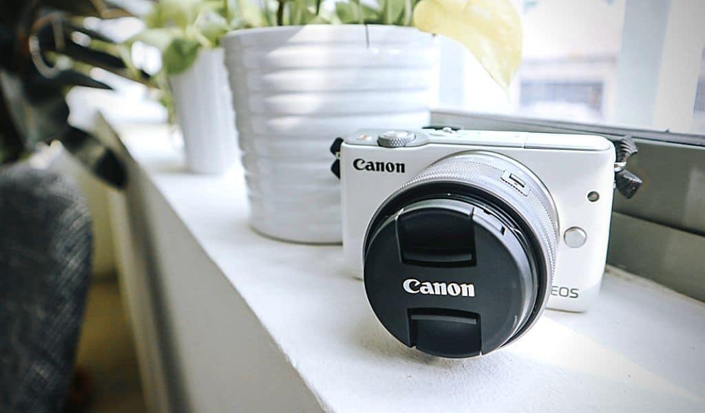 Đánh giá Canon m10